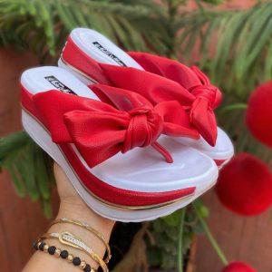 Sandalia alta roja para mujer 2021