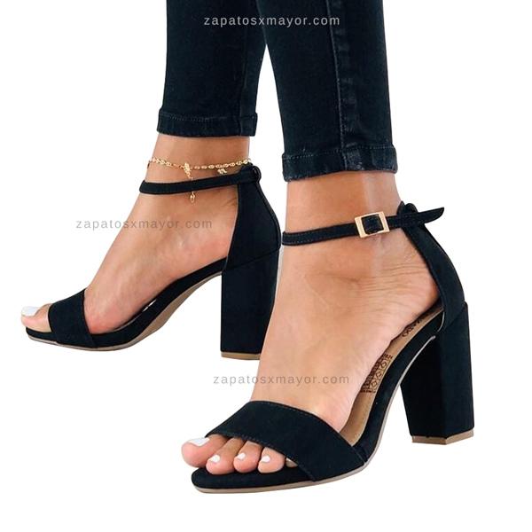 Sandalias de Tacón Bajito color Negro 2021
