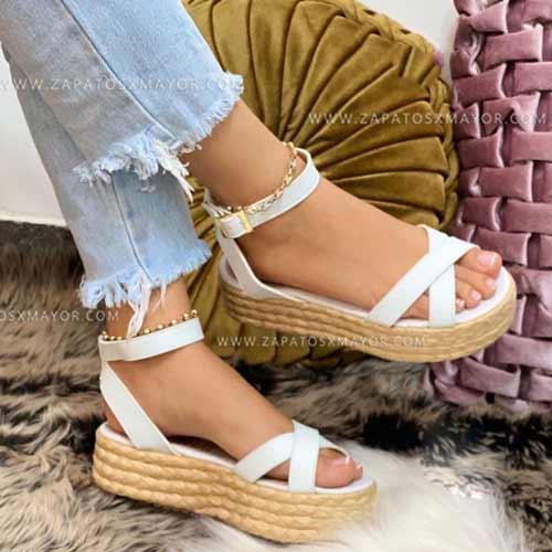 sandalia alta de moda en colombia plataforma blancas